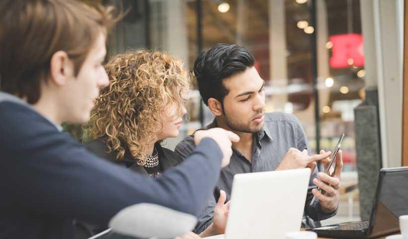 Tres pasos para emplear el poder de la colaboración entre equipos