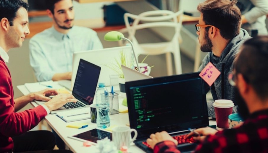 Cómo gestionar un equipo de desarrolladores si la tecnología no es tu punto fuerte