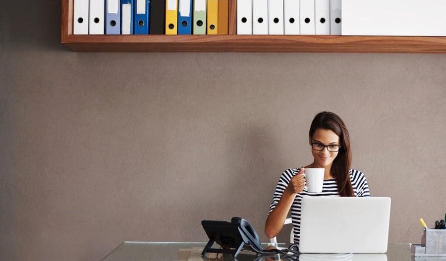 13 tácticas para acabar con el estrés que puedes practicar en tu mesa de trabajo