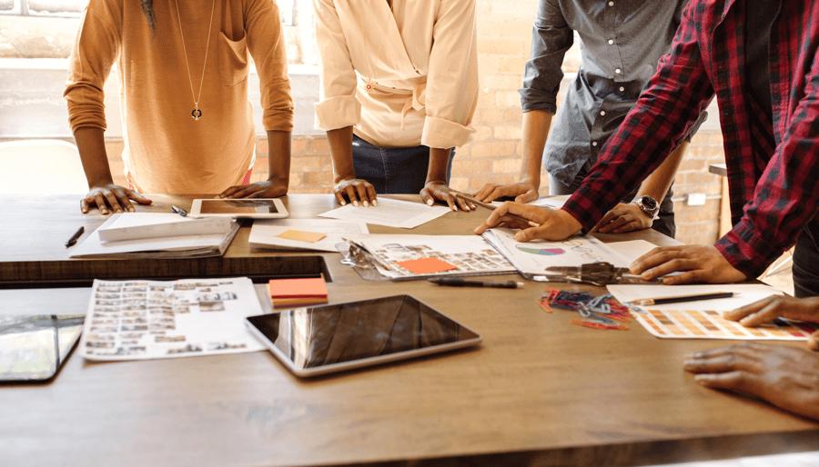 Cómo 5 expertos en gestión de proyectos crean un plan de gestión de proyectos infalible