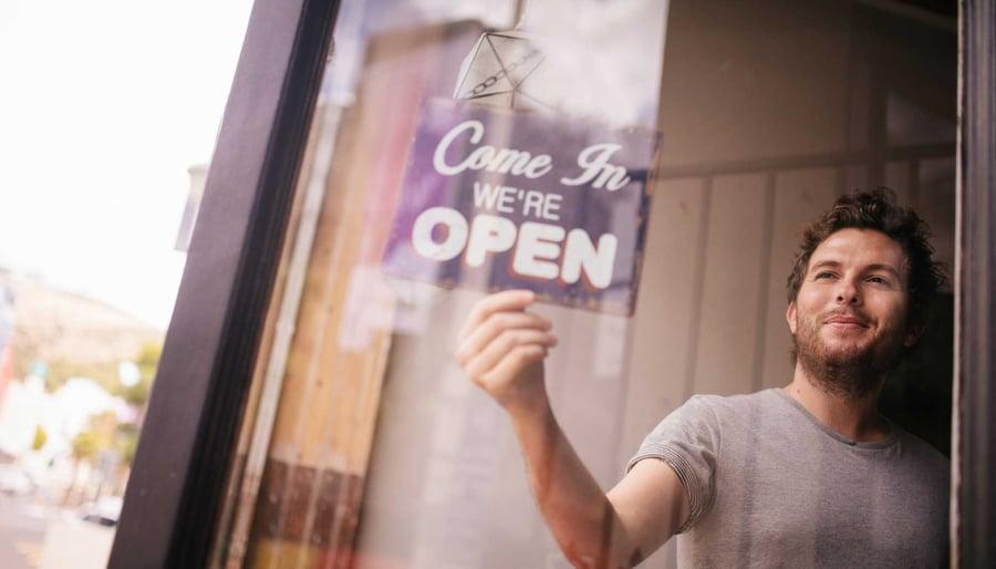 Las 6 lecciones sobre emprendimiento que nos enseña el productor de «How I built this» de NPR