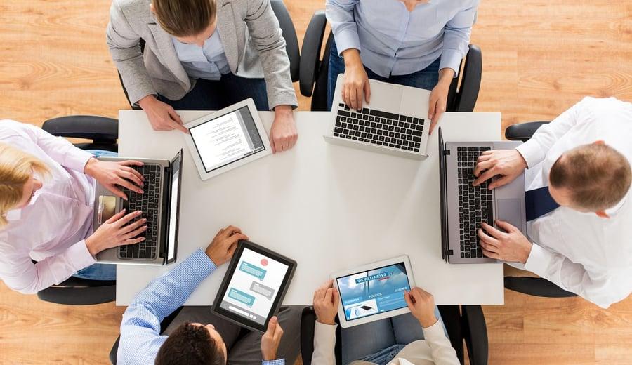 Funciones de herramientas clave para mejorar la productividad en empresas pequeñas