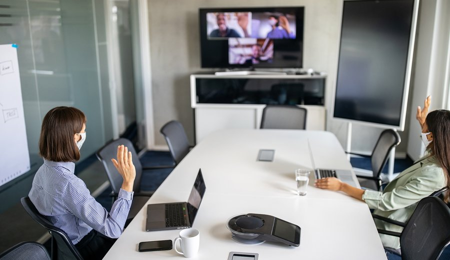 Exploring the Brave New World of Hybrid Team Management