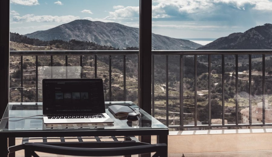 WFH vs. Hybrid Working vs. Office Full-Time: How To Know Which Approach Works Best for You